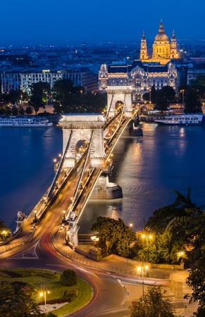szechenyi: El Puente de las Cadenas Szechenyi