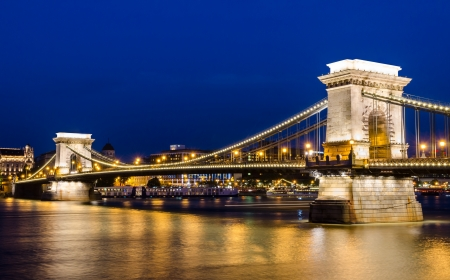 szechenyi: The Szechenyi Chain Bridge Stock Photo