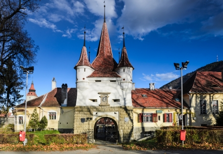 Catherine's Gate was built in 1526 for the access of romanians from Schei in the fortress of Brasov. The german name was EkaterinentorThe tower of the gate is from 1559.
