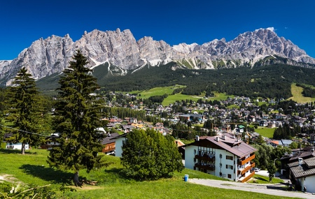 Cortina d Ampezzo and Dolomites Mountains, Italy Reklamní fotografie - 18117029