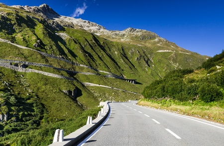 lacet: Furka Pass, high mountain pass in the Swiss Alps, Switzerland