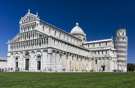 campo dei miracoli: PISA, ITALY - MAY 9  Image with Campo dei Miracoli, taken on May 9, 2011, in Pisa, Italy  Pisa's world famous Leaning Tower and Duomo, built in medieval times, attraction of Tuscany and Italy