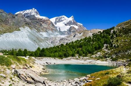 Grunsee、ツェルマットに近いスイス アルプス 写真素材