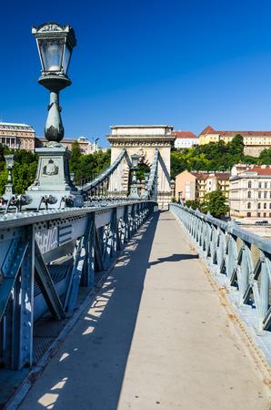 szechenyi: Chain Bridge, Szechenyi or Lanchid, was the first permanent stone-bridge in Budapest, Hungary, over Danube river Stock Photo