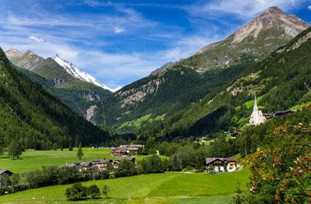 Rural landscape of Heiligenblut, North Tyrol, highest mountain from Austria , Grossglockner (3797 m. elevation) 免版税图像