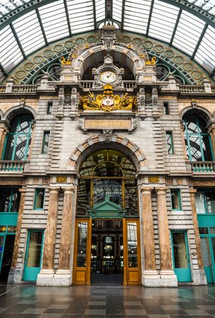 benelux: Central Train Station in Antwerpen, Belgium, finest example of railway architecture in Benelux.
