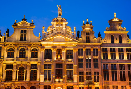 bruxelles: Bruxelles, Belgium. Night image with medieval architecture in Grand Place (Grote Markt). Editorial