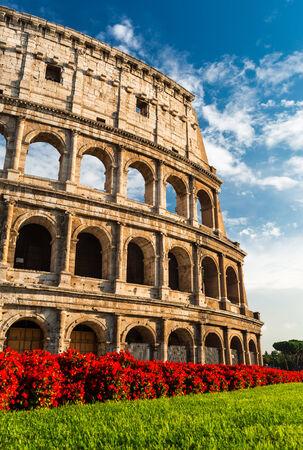 roma antigua: Coliseo, Roma, Italia. Coliseum conocido como Anfiteatro Flavio un anfiteatro el�ptico m�s grande en el Imperio romano construido en 80AD