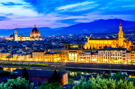 fiore: Forence, Italy. Beautiful sunset over Cathedral of Santa Maria del Fiore (Duomo), Firenze, Italia