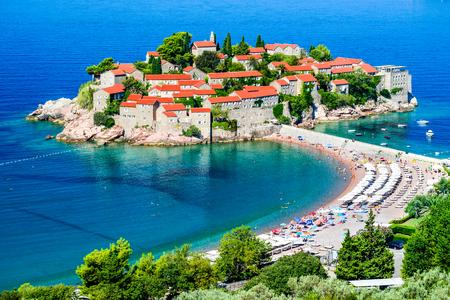 snění: Sveti Stefan, Černá Hora. Zobrazit s fantastickým malého ostrova a letovisko na pobřeží Jaderského moře, Budva regionu města.