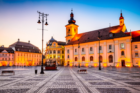 Sibiu, Romania. Twilight image of Council Tower in Large Square, Transylvania. Stockfoto