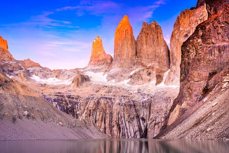 Torres del Paine, Chile - Laguna Torres, famous landmark of Patagonia, South America wild landscape. Imagens
