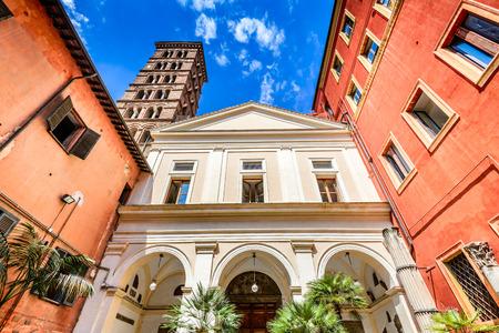 Roma, Italia. Chiesa di San Silvestro a Capite, costruita nell'ottavo secolo dedicata a Papa San Silvestro.