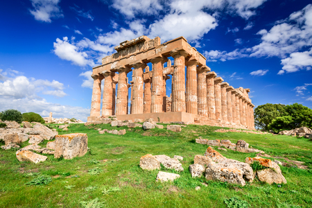 Selinunte was an ancient Greek city on the south-western coast of Sicily in Italy. Temple of Hera ruins of Doric style architecture. Stockfoto