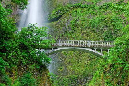 オレゴン州マルトノマ フォールズ 写真素材