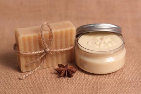 jabon: Jab�n casero y mantequilla para el cuerpo
