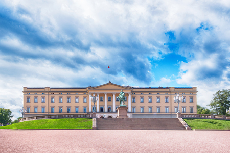 oslo: Royal palace in Oslo, Norway