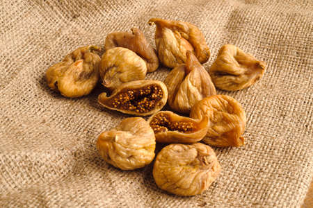 dried figs photo