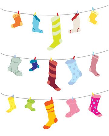 calcetines: una ilustraci�n de dibujado a mano de impar calcetines colgado en una l�nea de lavado en diferentes colores