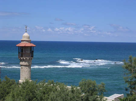 Minaret of Al-Bahr Mosque (Sea Mosque) in Jaffa, Israel            photo