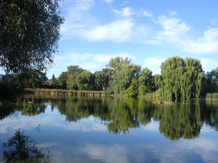 Oakbank Pond in autumn in Thornhill Ontario, Canada Stock Photo - 7746027