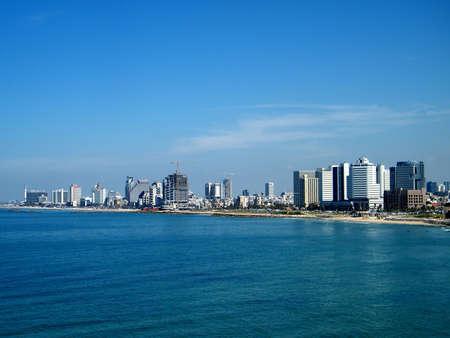 yaffo: Ver a Tel Aviv desde la ciudad antigua de Jaffa, Israel