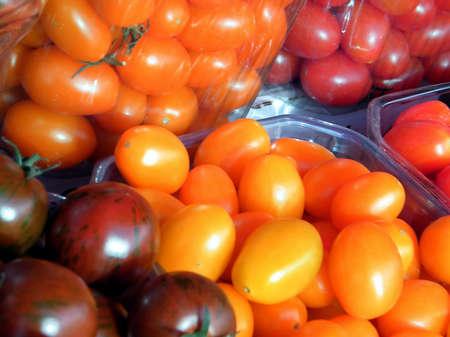 israel farming: Tomato varieties of rare on bazaar in Tel Aviv, Israel Stock Photo