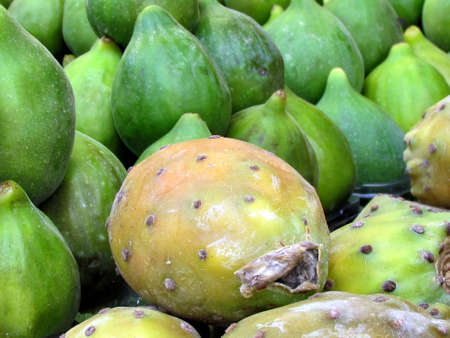 sabre's: Sabra fruit and figs on bazaar in Tel Aviv, Israel