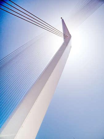 Der Pylon der neuen Akkorde überbrücken in Jerusalem, Israel