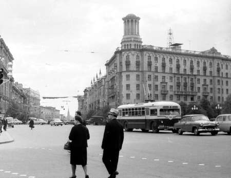 Old black and white photo: The Gorky Street in Moscow, Russia 版權商用圖片