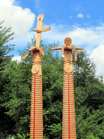 northwest indian art: The American Indian totem poles on a street in Washington DC, USA