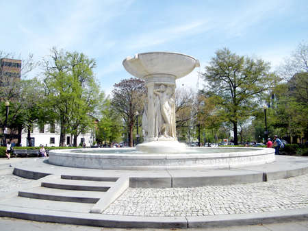 dupont: View of fountain in the center of the Dupont Circle in Washington DC, USA