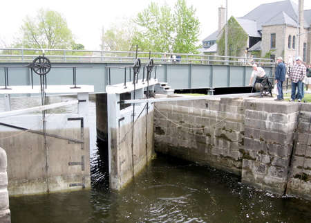 rideau canal: The lock is closing on the Rideau Canal in Merrickville of Ontario, Canada