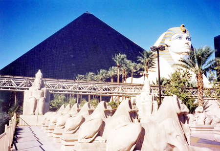 The Gods of Egypt near Pyramid in Las Vegas, in 2000, Nevada, USA 版權商用圖片
