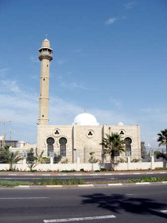 aviv: Minaret of Hasan-bey Mosque in Tel Aviv, Israel