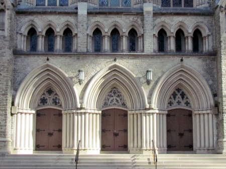 anglican: Entrance of St. Pauls Anglican Church in Toronto Ontario, Canada