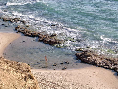 Plage on the shore of the Mediterranean in Shefayim, Israel