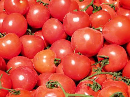 テルアビブ、イスラエル、2011 年 1 月 7 日のバザーに赤いトマト