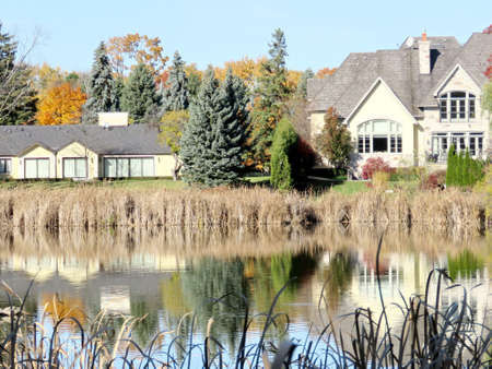 thornhill: House on the bank of a pond in Thornhill, Canada, November 6, 2016
