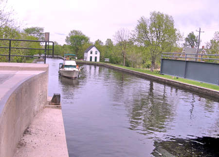 rideau canal: Boat before lock on the Rideau Canal in Merrickville, Canada, May 18, 2008