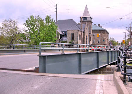 rideau canal: Bridge and lock on the Rideau Canal in Merrickville, Canada, May 18, 2008