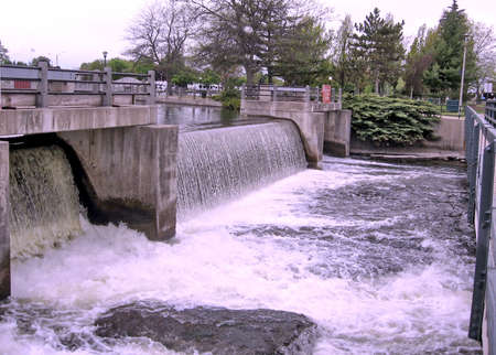 rideau canal: Water discharge from the dam on the Rideau Canal in Smiths Falls, Canada, May 18, 2008