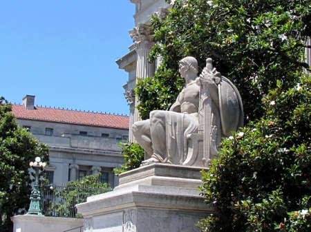 corinthian column: Streetlight and sculpture near National Archives Building in Washington DC, USA
