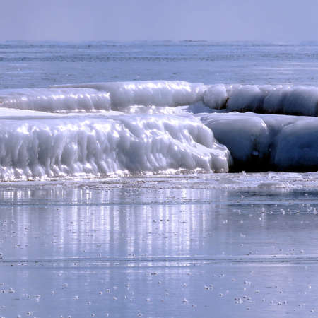 Ice landscape on a shore of the Lake Ontario in Toronto, Canada Stock fotó