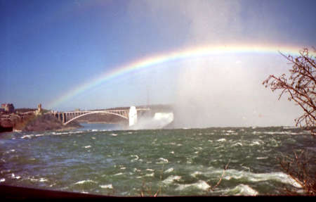 Rainbow over Rainbow Bridge in Niagara Falls, Canada, March 16, 2002 Sajtókép