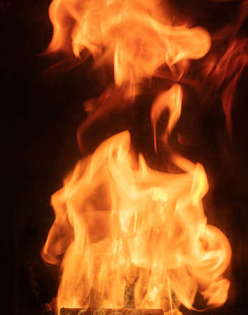 Large flames in a pellet stove