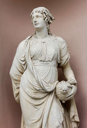 Neoclassic Marble Statues Banque d'images