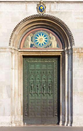 fanlight: Main Entrance of the Basilica of Saint Anthony in Padua, Italy Stock Photo