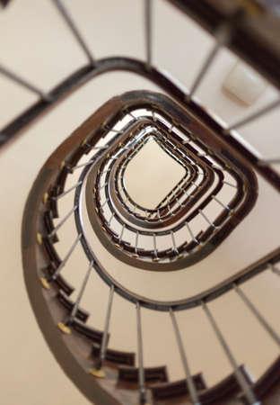 estuche: Dentro de una caja de la escalera Foto de archivo