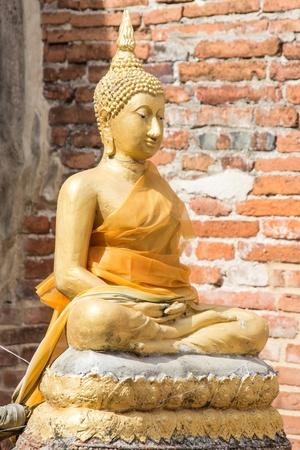 buddha image: imagen de Buda en el templo antiguo